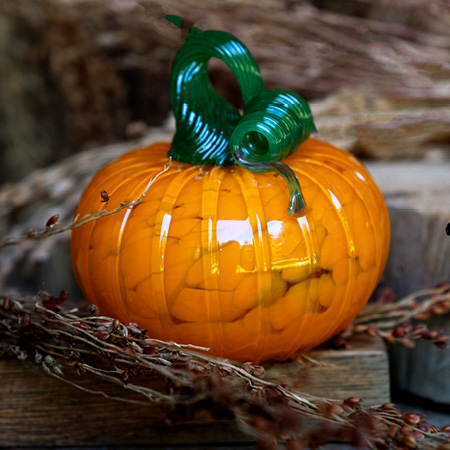 Hale Farm & Village Glassblowing Adult Workshop Mini Pumpkin